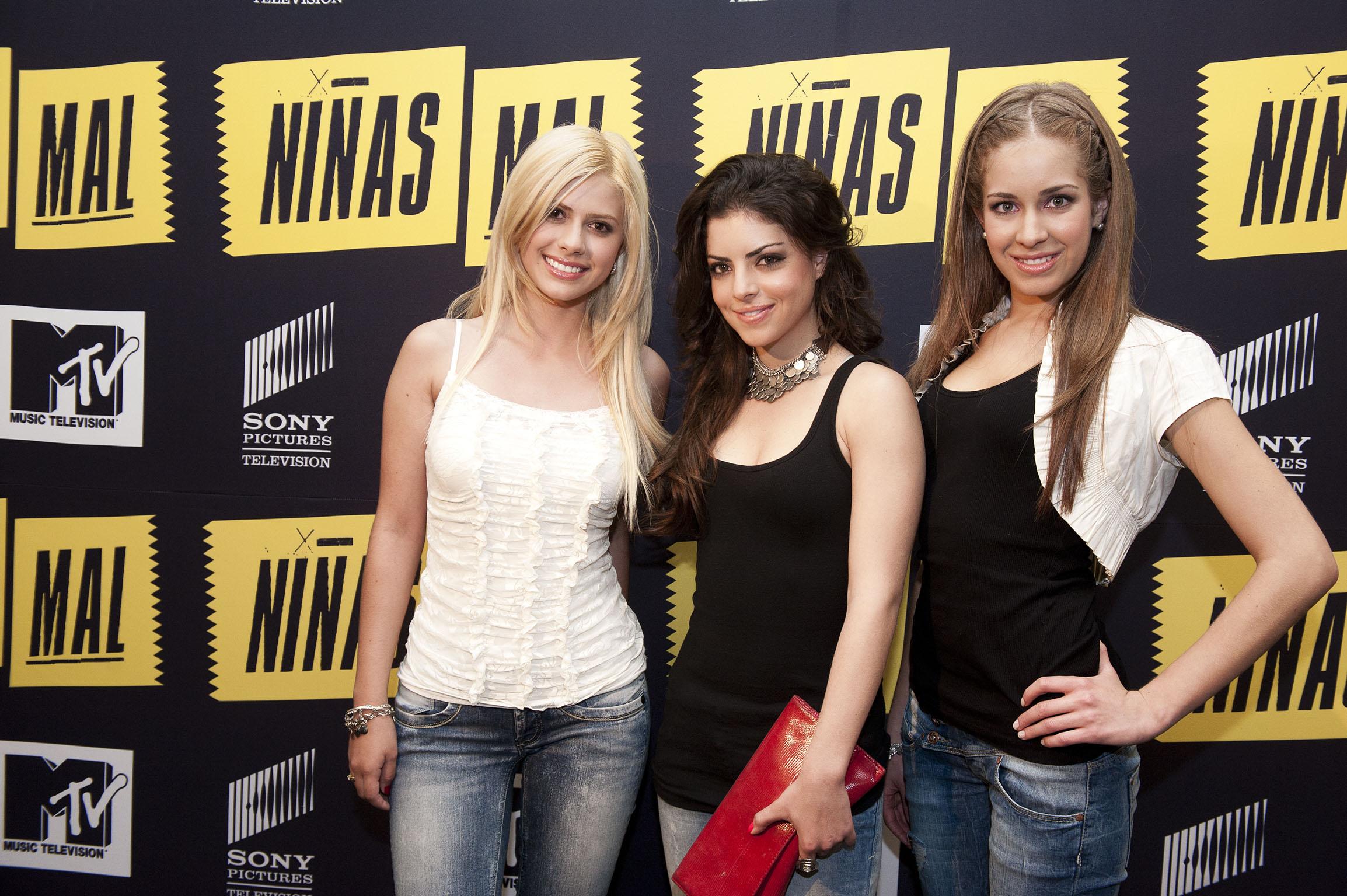 la busqueda de independencia la rebeldia de un trio de chicas de alta ...