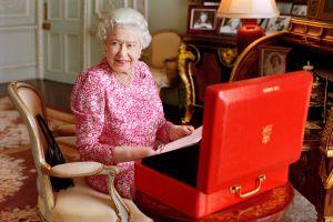 Foto de Mary McCartney/Reina Isabel II vía AP